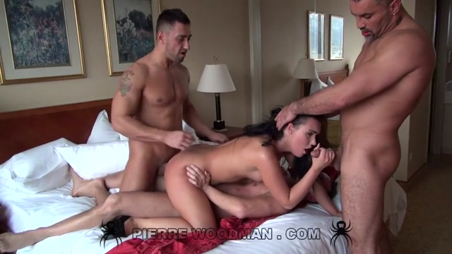 Woodmancastingx_presents_Wild_Devil_-_hard_-_bed___3_boys.mp4.00004.jpg