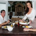 Brazzers – MilfsLikeItBig presents Kendra Lust in Kendras Thanksgiving Stuffing – 23.11.2016