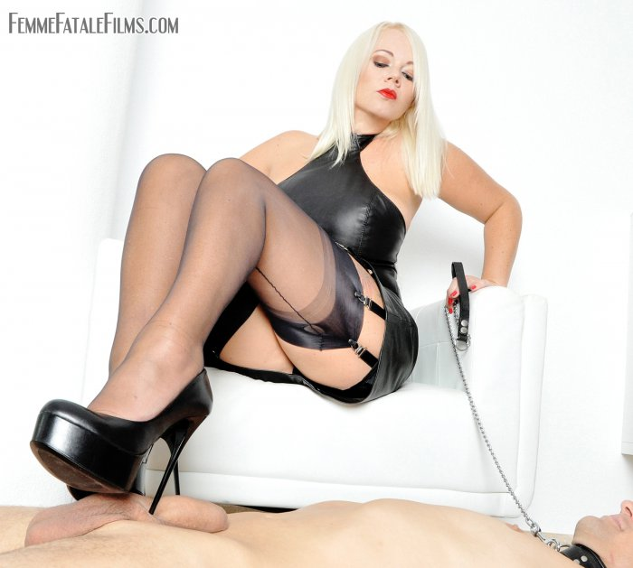1_FemmeFataleFilms_presents_Mistress_Heather_in_Heels_and_Nylons.jpg