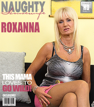 1_Mature.nl_presents_Roxanna_C.__57__in_Horny_Housewife_Fooling_Around_-_16.11.2016.jpg