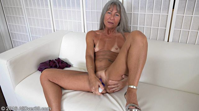 EAT mature lady over 30 porn got him