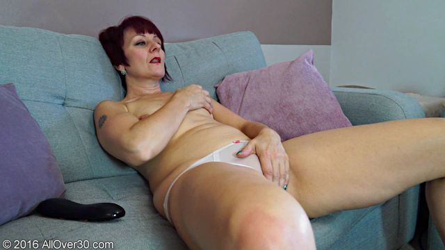 Allover30_presents_Penny_Brooks_49_Years_Old_Ladies_with_Toys_-_14.11.2016.wmv.00013.jpg