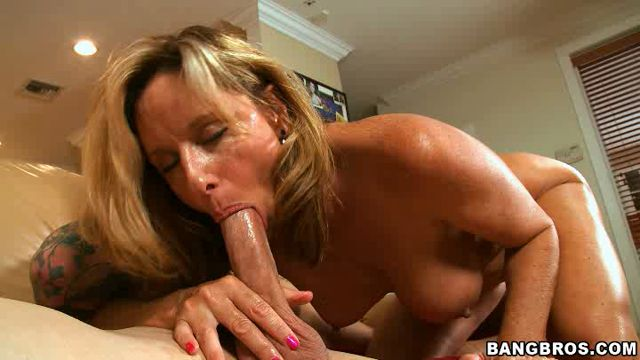 BangBros_-_MilfSoup_presents_Jodi_West_in_Home_Alone_Milf_Gets_Nailed_.wmv.00015.jpg