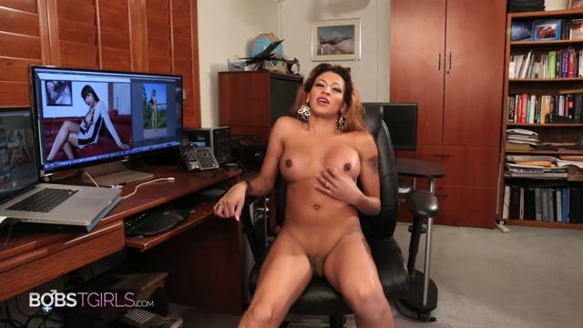 Bobstgirls_presents_Destiny_Haynes_in_Office_Play_-_29.10.2016.m4v.00002.jpg