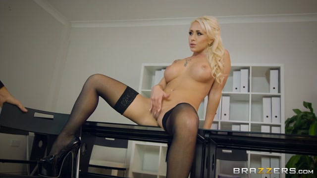 Watch Online Porn – Brazzers – BigTitsAtWork presents Christina Shine in Sales Pitch – 25.11.2016 (MP4, SD, 854×480)