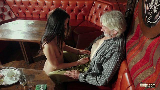 ClassMedia_-_Oldje_presents_Patricia_Sun_in_Selling_Sex.mp4.00005.jpg