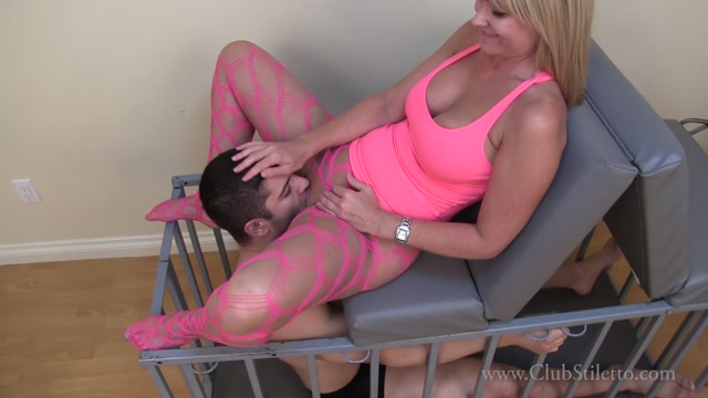 Clubstiletto_presents_Mistress_Kandy_in_Junior_Licks_Mommys_Pussy_and_Ass.mp4.00007.jpg