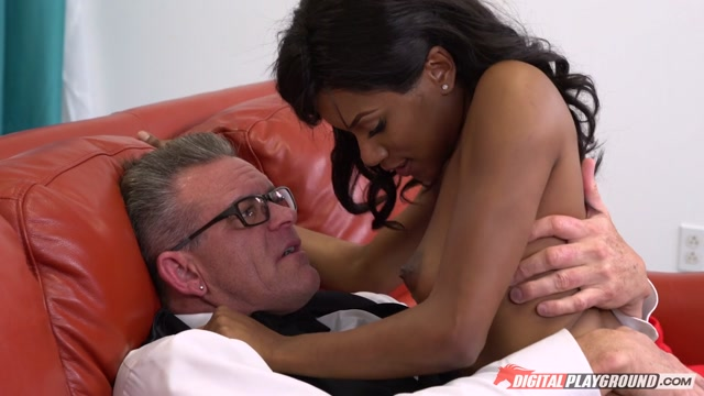DigitalPlayground_presents_Indigo_Vanity_in_My_White_Stepdad_Part_1_-_21.11.2016.mp4.00013.jpg