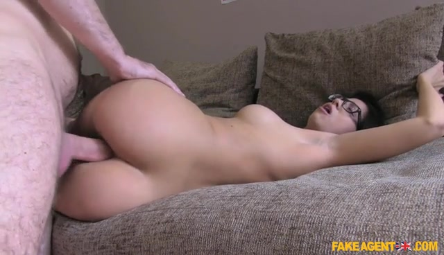 FakeHub_-_FakeAgentUK_presents_Julia_de_Lucia_in_Deepthroat_Pussy_Fucking_and_Anal_-_02.11.2016.mp4.00014.jpg