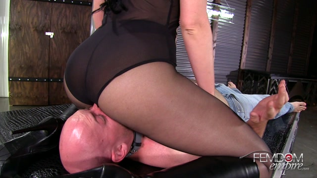 FemdomEmpire_presents_Gigi_Allens_in_KiIIer_ASS_-_24.11.2016.mp4.00005.jpg