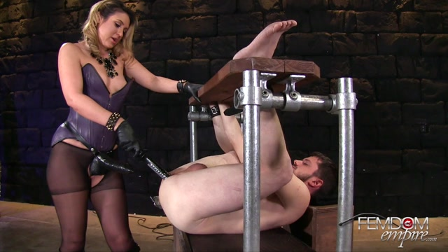 FemdomEmpire_presents_Kylie_Kalvetti_in_Black_Cock_Whore_-_10.11.2016.mp4.00005.jpg