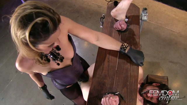 FemdomEmpire_presents_Kylie_Kalvetti_in_Black_Cock_Whore_-_21.11.2016.mp4.00013.jpg