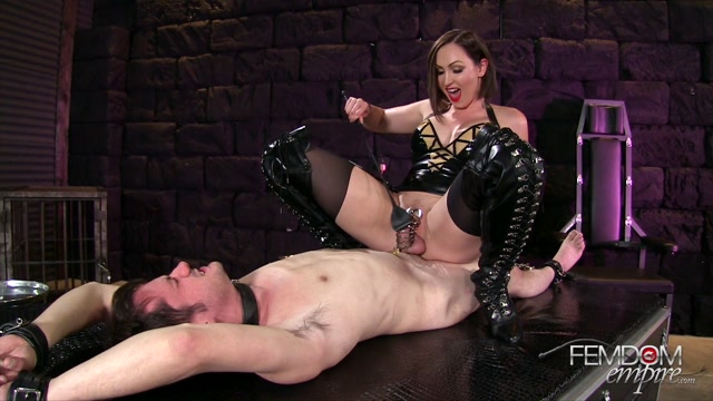 FemdomEmpire_presents_Yasmin_Scott_in_Caged_Erection_-_28.11.2016.mp4.00006.jpg