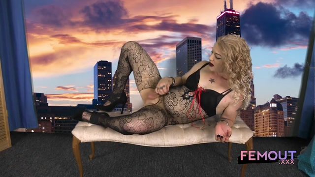 Watch Online Porn – Femout.xxx presents With Kisses From Kiersten Bunnz – 02.11.2016 (MP4, FullHD, 1920×1080)