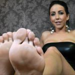 GlamWorship – Lady Nina Leigh – Pray To My Feet