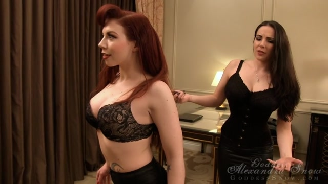 Goddess_Alexandra_Snow_-_Vegas_FemBot_Industries.mp4.00013.jpg