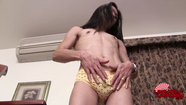 Ladyboy-ladyboy_presents_Sexy_Slim_Nok_Jacks_Her_Big_Cock__-_11.11.2016.mp4.00004.jpg