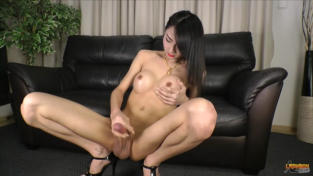 Ladyboy.xxx_presents_Enjoys_Creamy_Climax_-_03.11.2016.mp4.00009.jpg