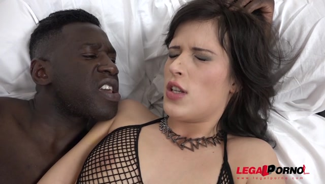 Watch Online Porn – LegalPorno presents Ria Sunn kinky interracial cuckold experience with her boyfriend IV017 – 18.11.2016 (MP4, SD, 848×480)
