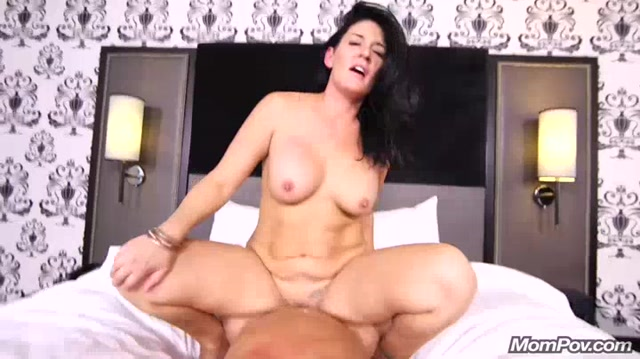 Watch Online Porn – MomPov presents Jillian in Sexy Midwest MILF porn first timer – 17.11.2016 (MP4, SD, 720×404)