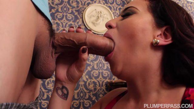 Watch Online Porn – PlumperPass presents Selena Castro in Sexdoor Neighbor – 23.11.2016 (MP4, SD, 720×400)