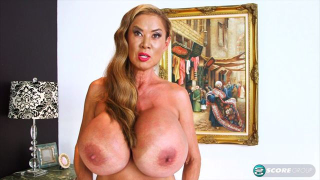 PornMegaLoad_presents_Minka_in_Close_Encounters_of_the_Mega-Boobed_Kind_-_05.11.2016.mp4.00002.jpg