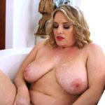 Pornmegaload presents Maggie Green in Big Wet Tits – 06.11.2016 (MP4, FullHD, 1920×1080)