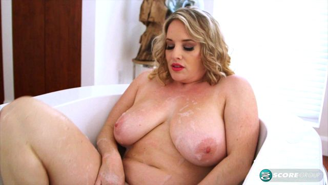 Watch Online Porn – Pornmegaload presents Maggie Green in Big Wet Tits – 06.11.2016 (MP4, FullHD, 1920×1080)