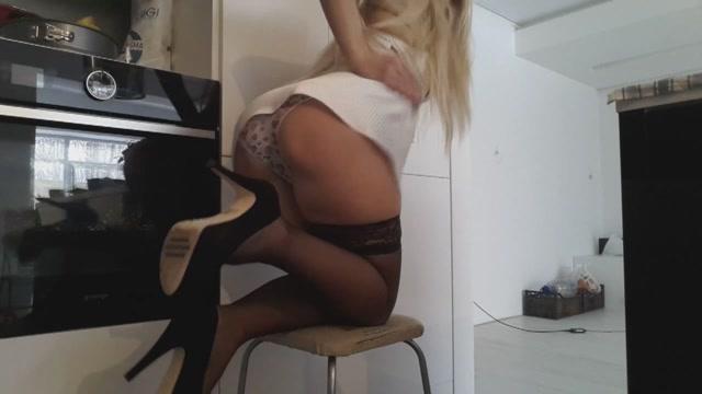 Watch Online Porn – Scatshop – Blonde Heels Pull Pants (MP4, FullHD, 1920×1080)