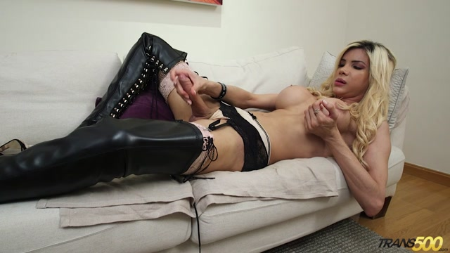 Trans500_presents_Milla_Viasotti_in_Now_Lets_Get_Personal_-_08.11.2016.mp4.00011.jpg
