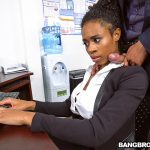 BangBros – BrownBunnies presents Ivy Young learns how to get ahead in the office – 04.11.2016