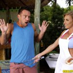 RealityKings – MilfHunter presents Johnny Castle, Kate Linn in Milf On The Grill – 14.11.2016
