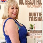 Mature.nl presents Auntie Trisha (EU) (61) in British mature BBW fingering herself – 26.12.2016