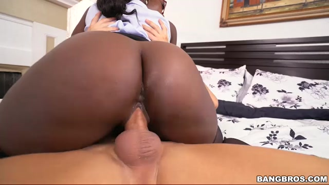 BangBros_-_BrownBunnies_presents_Vickie_Starxxx_in_Depositing_A_Giant_Load_-_09.12.2016.mp4.00010.jpg