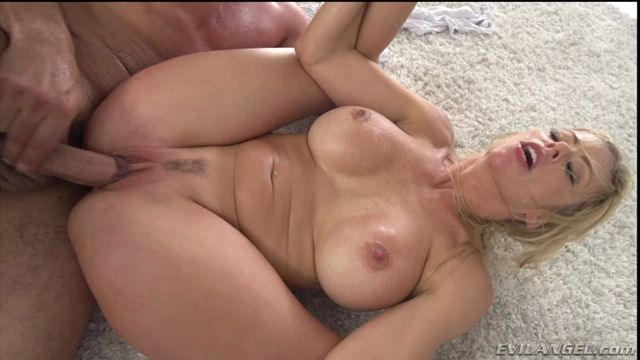 EvilAngel_presents_Alexis_Fawx__Toni_Ribas_in_Busty__Athletic_Alexis_Squirting_Fuck.mp4.00010.jpg