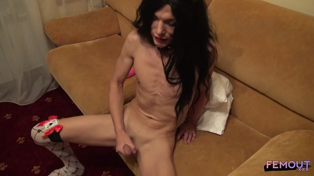 Femout.xxx_presents_Holiday_Games_with_Holly_Biga_-_24.12.2016.mp4.00015.jpg