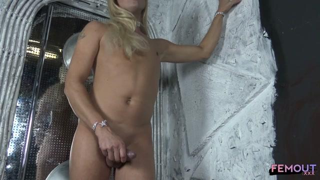 Watch Online Porn – Femout.xxx presents Moscow Minx Mistress Pillow – 03.12.2016 (MP4, HD, 1280×720)