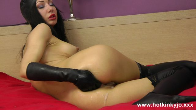 HotKinkyJo_presents_The_horns_-_04.12.2016.mp4.00010.jpg