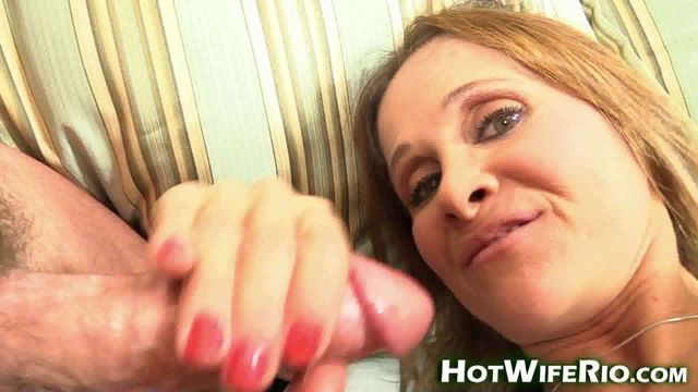 HotWifeRio_presents_Lingerie_MILF_Tease__2.wmv.00012.jpg