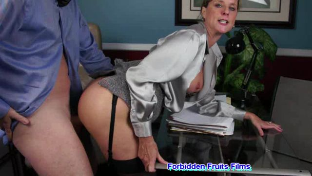 Watch Online Porn – Jodi West in Memoirs Of Bad Mommies 9 – Mothers Special Time (WMV, SD, 852×480)