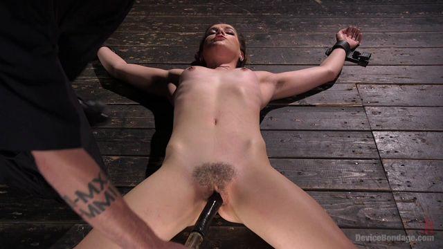 Kink_-_DeviceBondage_presents_Kasey_Warner_in_Pussy_Betrayal_-_15.12.2016.mp4.00012.jpg