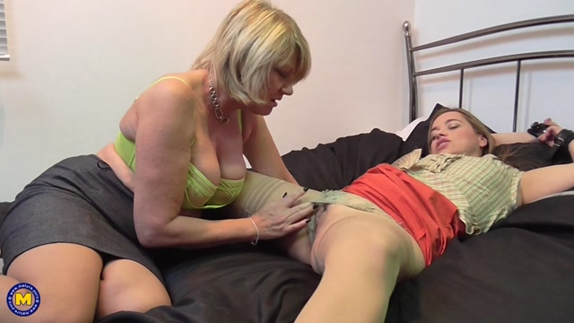 Mature.nl_presents_Amy__EU___53___Olga_Cabaeva__35__in_British_lesbian_housewives_fooling_around_-_23.12.2016.mp4.00006.jpg