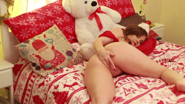 MyFreeCams_Webcams_Video_presents_Girl_OreoB4by2_in_HD_Christmas_double_stuffed_oreo.mp4.00000.jpg