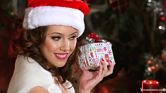 Watch Online Porn – Playboyplus presents Emily Bloom & Jenna Sativa in Naughty List – 26.12.2016 (MP4, FullHD, 1920×1080)