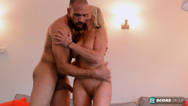 Watch Online Porn – PornMegaLoad – 60PlusMilfs presents Katias happy return has a happy ending – 22.12.2016 (MP4, FullHD, 1920×1080)