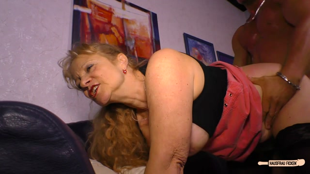 Porndoepremium_-_HausfrauFicken_presents_Yvonne_in_Cum_on_tits_splurge_for_busty_blonde_German_granny_cheating_with_young_stud_-_20.12.2016.mp4.00008.jpg