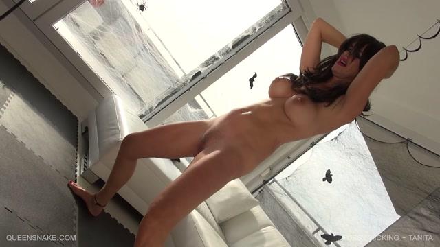 QueenSnake_presents_Tanita_in_Pussy_Kicking.mp4.00004.jpg