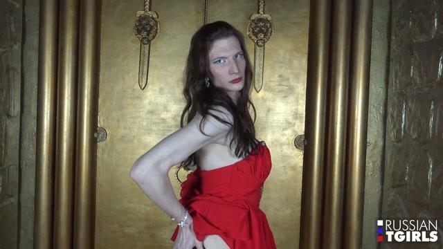 Russian-tgirls_presents_Welcome_Elvira_-_13.12.2016.mp4.00000.jpg