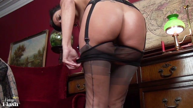 VintageFlash_presents_Cassie_Clarke_in_Legally__horny_as_hell__-_13.12.2016.mp4.00009.jpg