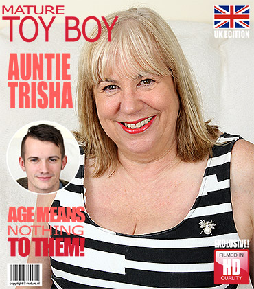 1_Mature.nl_presents_Auntie_Trisha__EU___61__in_British_mature_BBW_doing_her_toyboy_-_11.01.2017.jpg